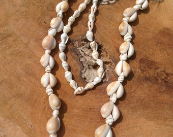 Vintage Cowrie Shell Necklace - Schell Necklace - Kauri Shell - Beach Look