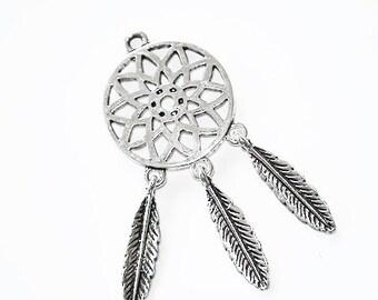 Pendentif attrape rêves en métal argenté et perles turquoise