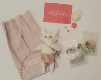 Do It Yourself Kit : customize your own little silk stuffed toy !