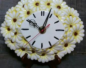 Vintage Daisy Flower Clock, Atlantic Mold Yellow And White Ceramic Daisy Flower Wall Clock, 1970s Retro Clock, Mid Century Wall Clock