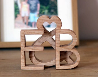 Unique engagement gift for couple - Personalised wood wedding gift - Style: Modern & Minimalist