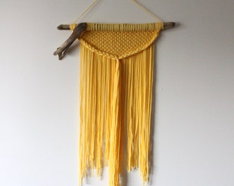 MACRAME / Wall Hanging / Weaving / Wall Art / Fiber Art / Woven Wall Hanging