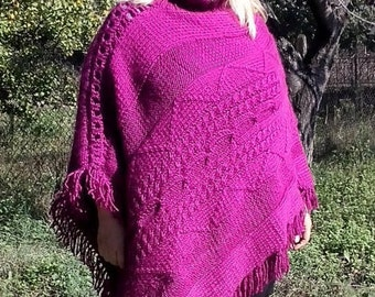 Beautiful wool hand-knitted poncho for lady