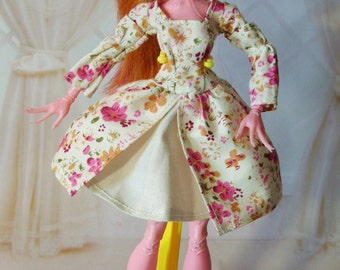Clothes/Outfit/Dress for Monster High dolls