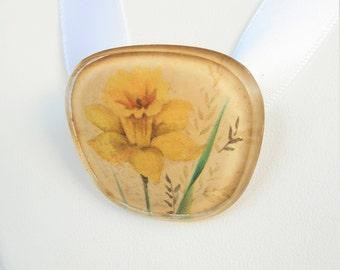 Mid Century Daffodil Brooch