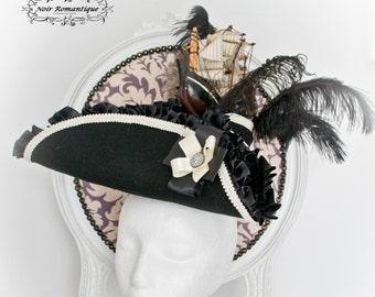 Antoinette feather tricorn top hat with ship-Rococo  tricorn hat-Hstorical tricorn hat-tricorn top hat-WGT outfit