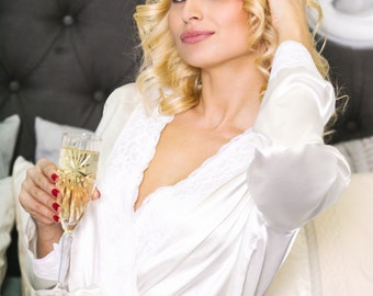 VERONA, Bridal personalized robe, Bridesmaid robe, monogrammed wedding robes, monogramming robes, monogramed robes, embroidered robe