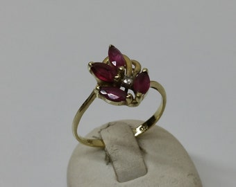 Ring gold 585 with rubies and diamond 0.03 ct GR190