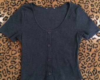 90s dark grey/gray button up scoop neck t-shirt crop top
