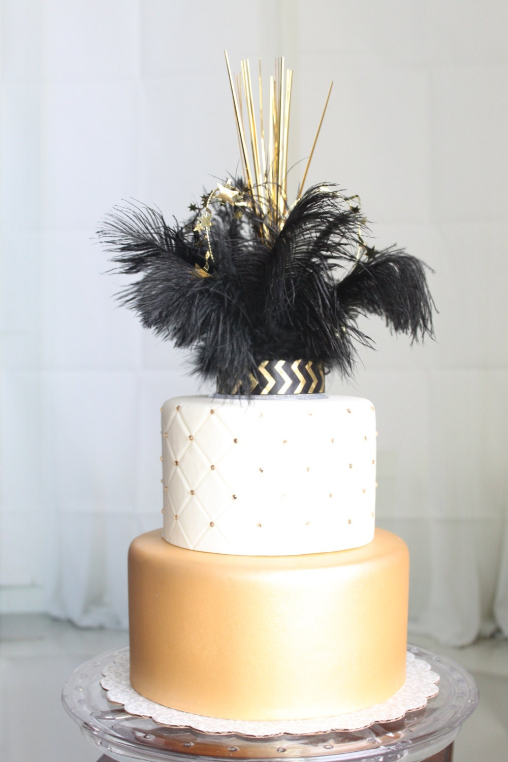 feather wedding cake toppers gatsby flapper roaring 20 s feather amp sparkler cake 14222