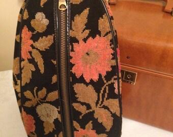 Ladies Toiletry, Travel, or Cosmetic Floral Carpet Bag.