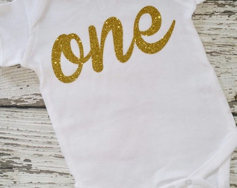 SHIPS NEXT DAY!!  One year old girl birthday outfit,  One birthday bodysuit, First Birthday Girl Outfit, Gold First Birthday Outfit
