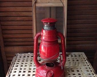 Dietz Little Wizard ny usa Barn Lantern City of New York Red Globe Rustic Farmhouse Decor Farmhouse Style Shabby Decor