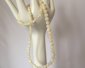 Vintage Retro 1950s 50s 1960s 60s mother of pearl shell bead necklace jewellery
