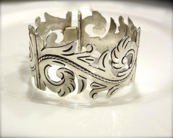 ALFREDO VILLASANA ~ Sterling Silver Bracelet ~ Beautiful Scroll Works ~ Brilliant Craftsmanship ~ Double Hinge ~ Rare Piece ~ VINTAGE 1940's