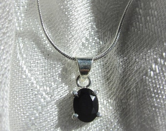 Classic, Oval, Black Onyx Gemstone, Silver Pendant Necklace