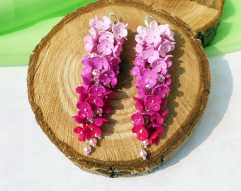 Cluster Earrings gradient Pink Fuchsia handmade of polymer clay / Floral cluster Earrings Ombre / Long Fuchsia earrings Jewelry for wedding