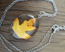Maple Leaf Necklace – Resin Jewelry – Resin Necklace – Resin Pendant - Pressed Flower Resin Jewelry – Real Flower Resin Jewelry