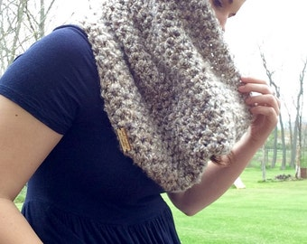 Large Heavy Heather Brown Cowl