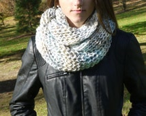 Infinity neck soft colors, neck point, point two needles, knit, fashion winter, soft and spongy, warm, elegant, female