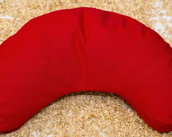 Spelt chaff pillow Crescent with Yoga