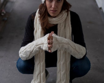 Fingerless Gloves in Creamy White / Arm Warmers / Fingerless Mittens