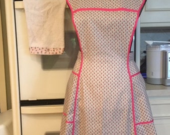 Homemade Vintage-inspired Retro Apron