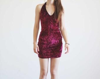 Xelda red velvet dress