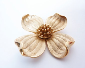 Vintage 1940s Trifari Dogwood Flower Brooch Pin