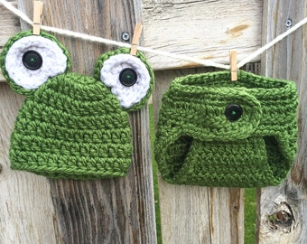 Newborn/0-3 Months Baby Frog Hat and Diaper Cover Set, Crochet Photo Prop