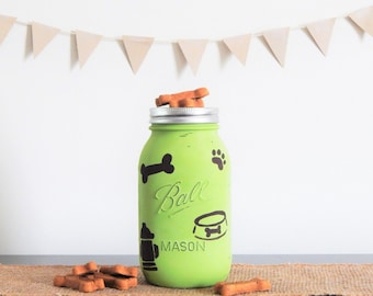 Mason Jar Dog Treat Holder. Gift for Dogs. Dog Lover Unique Gift Idea. Pet Treat Container. New Puppy Announcement. Dog Mom. Pug Mom.