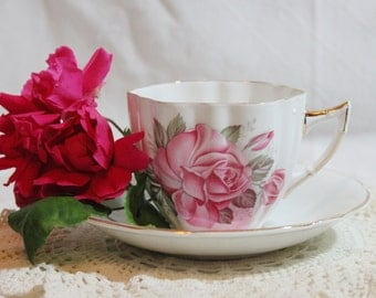 Society Fine Bone China Cup and Saucer Set / Made in England / Rose Pattern with Gold Edging
