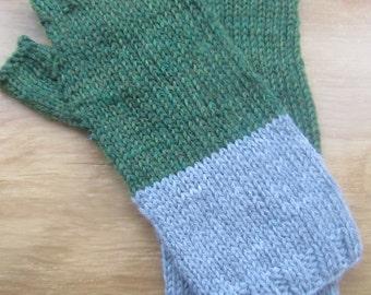 Scree fingerless gloves