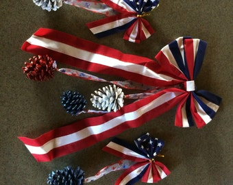 July 4th Pine Cone Bows