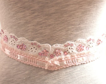 Pink V-Shaped Pretty Lace Trim - JR09240