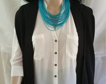 Elegant turquoise necklace