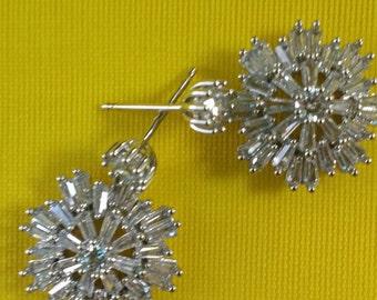 White Crystal Baguette Earrings/ Cubic Zirconia / Bride Earrings/ Bridesmaids Earrings/Sparkly Crystal Earrings/ Evening earrings