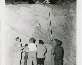 vintage photo 1956 I.R.E. Treasure Hunt Phoenix Arizona People From Back Investigate Reporting