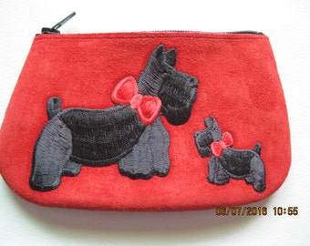LITTLE SCOTTY FAMILY  Coin Purse on Red Leather Suede
