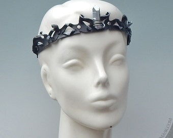 Sculpted Leather Circlet with Quartz Crystal in Black and Silver   Unisex Adult Costume   Ren Faire Crown   Halloween Accessory