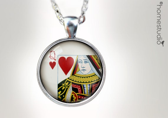 Queen of Hearts : Glass Dome Necklace, Pendant or Keychain Key Ring. Gift Present metal round art photo jewelry HomeStudio. Silver Bronze