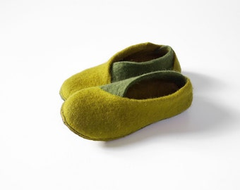 Lichen green olive shoes Envelope slippers Handmade footwear Women slippers House Shoes Olive green shoes mustard yellow shoes Felt shoes