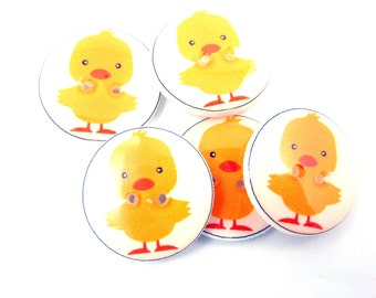 """5 Yellow Chick Buttons. 3/4"""" or 20 mm. Spring or Easter Sewing, knitting or crochet. Duck Buttons."""
