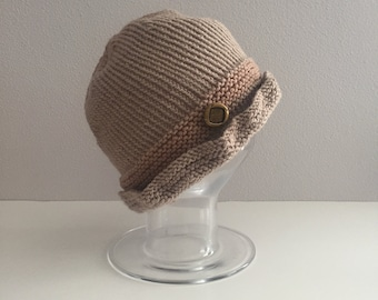 Brown knit cloche hat with brass button - light brown hat