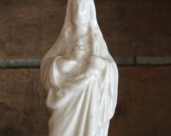 "Vintage 4.3"" Sacred Heart of JESUS Porcelain  Statue-- Protection that you need at all times"