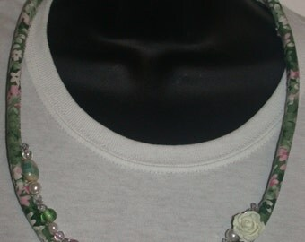 Romantic Green Rose Textile Necklace