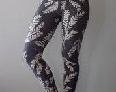 Sundara || High Waist Legging, Printed legging, charcoal heather grey, yoga legging, pocket legging, floral legging || by Simka Sol®
