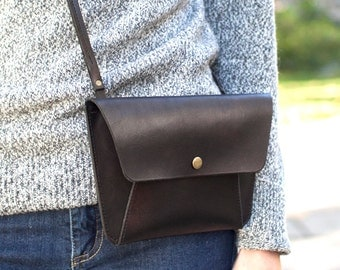"Black Leather Minimalist Purse // ""envelope purse"" by fullgive in vintage black"