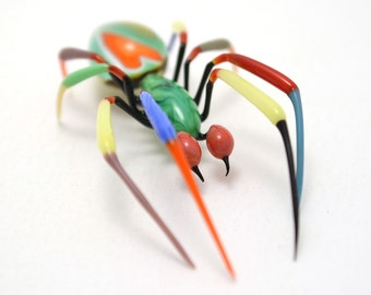 Murrini LOVE Thumbprint Spider - lampworked lifelike glass arachnid spider figurine made by Glass Artist Wesley Fleming
