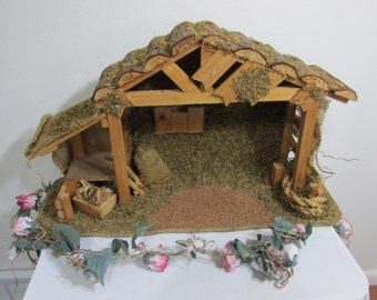 Nativity Stable Creche Large Rustic Log Roof Manger 24 x14